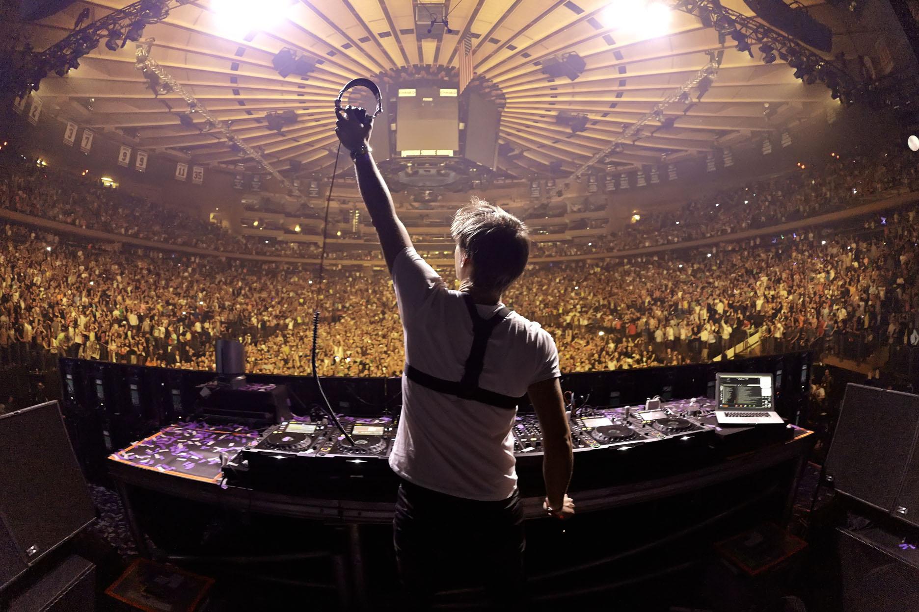 Armin Van Buuren Live