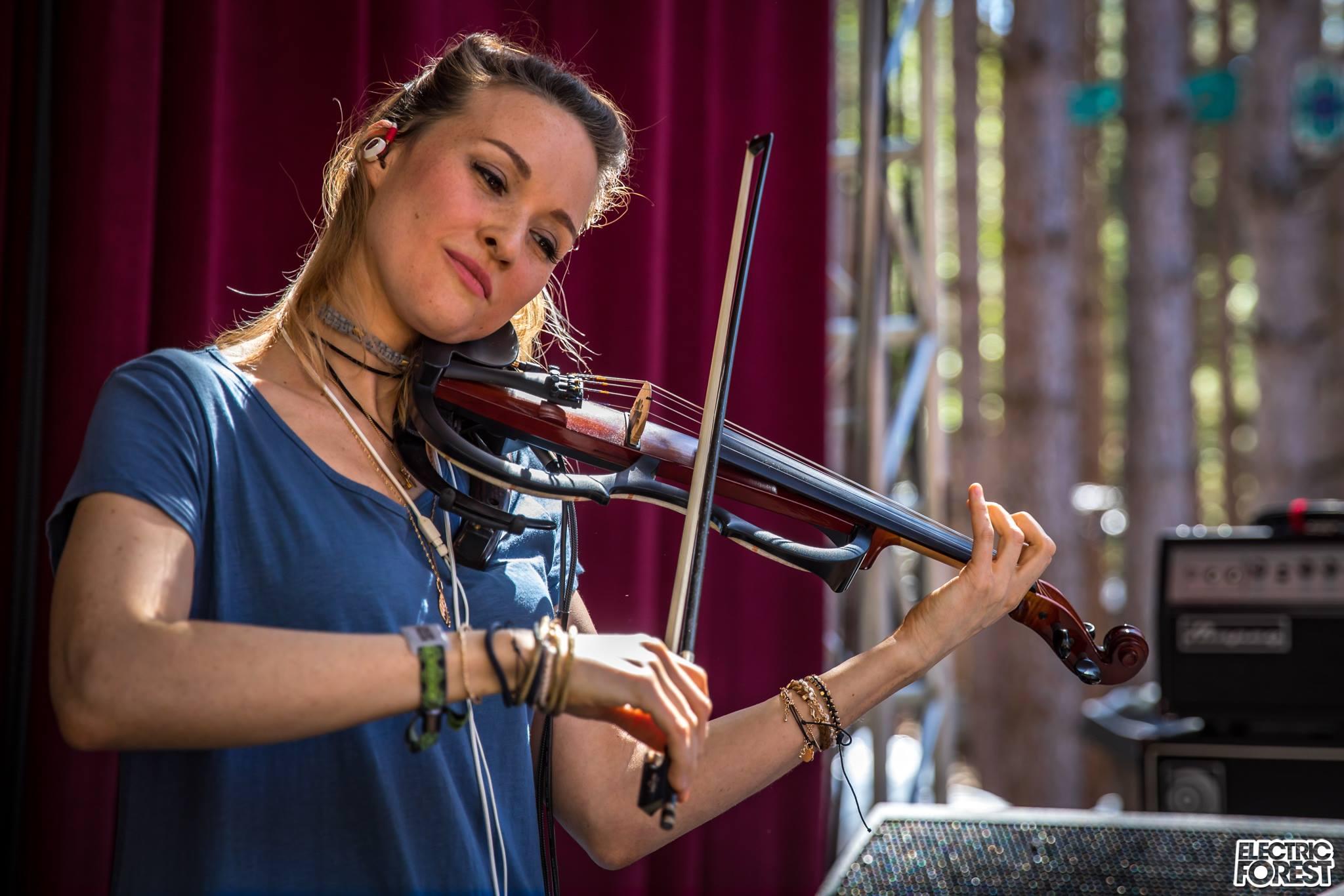 "[PREMIERE] Dance Music Violinist Alfiya Glow Releases Music Video for ""Broken"""