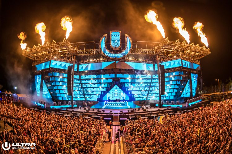 Ultra Main Stage, photo by aLIVE Coverage-2